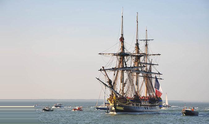 Le 12 septembre 2014, l'entreprise Asselin est venu voir l'Hermione pour son premier départ en mer. © Association Hermione Lafayette
