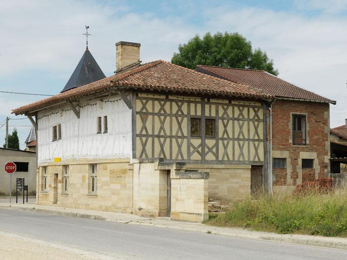 Restauration charpente ancienne asselin for Restauration maison