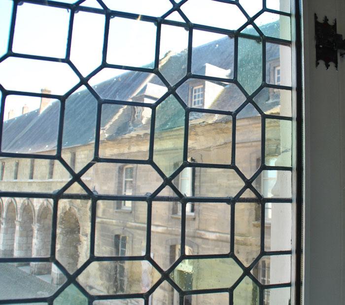 Musée départemental de Beauvais détail d'une fenêtre portefeuille