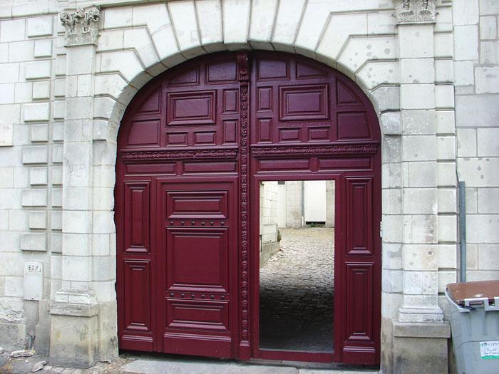 Porte cochère à Saumur