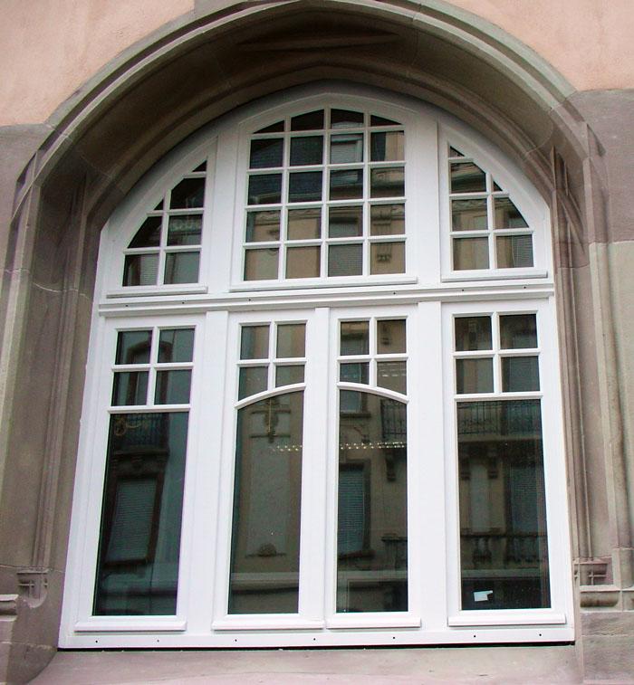 Restauration des fenêtres du Musée Historique de Mulhouse