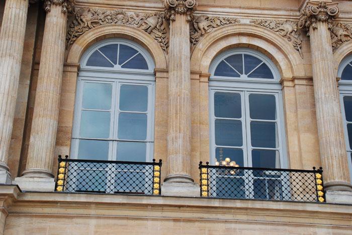 Restauration des fenêtres du Palais Royal