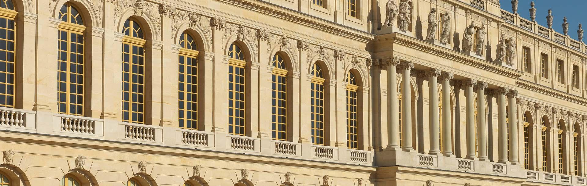 Restauration des fenêtres du château de Versailles