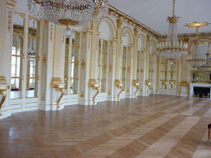 Restauration du parquet dans le Salon des maréchaux au Palais Royal